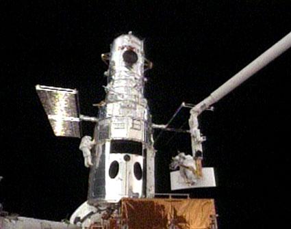 STS125 1st EVA