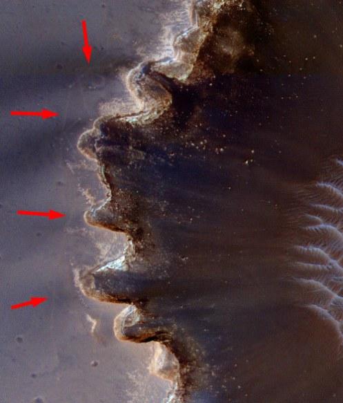 HiRISE-VictoriaCrater-tracks