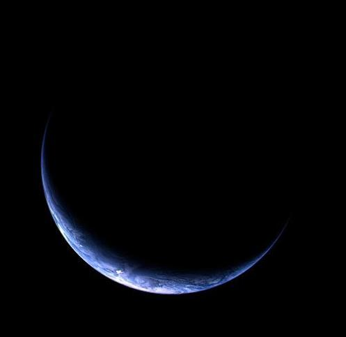 Rosetta-Crescent Earth